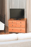 TV grande en un cuarto fotos de archivo libres de regalías