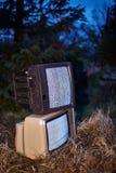 TV ingen signal i gräs fotografering för bildbyråer