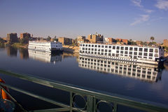 Två Nile kryssningfartyg Arkivfoto