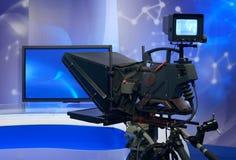 TV-nyheterstudio med kameran Royaltyfria Foton