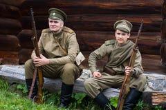 Två rysssoldater av det första världskriget Arkivbilder