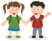 Två skolaungar som rymmer händer Royaltyfria Foton