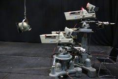 TV-studio met camera en één licht Stock Foto
