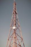 TV van de telecommunicatiemast Stock Fotografie