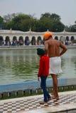 Tvagningdamm Gurdwara Bangla Sahib tempel delhi india Royaltyfria Bilder