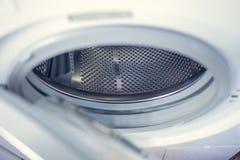 Tvagningmaskin - närbild Texturen av valsen Dörr Royaltyfria Foton