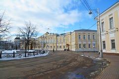 Tver, Россия - 27-ое февраля 2016 Администрация города Tver, построенного в XVIII веке Стоковое Изображение RF