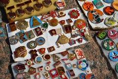 Tver, Rusia - pueden 07 2017 Insignia comercial de las épocas de la URSS Fotos de archivo libres de regalías