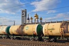 Tver, Russie - peuvent 07 2017 Réservoirs de cargaison à la gare ferroviaire Photos libres de droits