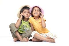 tvilling- brodersyster Fotografering för Bildbyråer