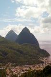 tvilling- karibisk st för soufriere för lucia ringbulthav Arkivbilder