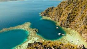Tvilling- lagun för flyg- sikt, hav, strand tropisk ö Busuanga Palawan, Filippinerna Arkivfoton