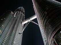 tvilling- petronas torn Arkivbild