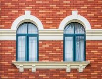 Tvilling- retro fönster Royaltyfria Bilder