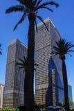 Tvilling- skyskrapor i i stadens centrum Los Angeles royaltyfri bild