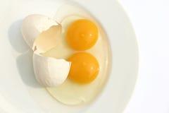 tvilling- yolks för ägg Arkivbilder