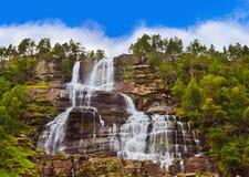 Tvinde-Wasserfall - Norwegen Stockfotografie