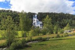 Tvindefossen瀑布,挪威 免版税库存图片