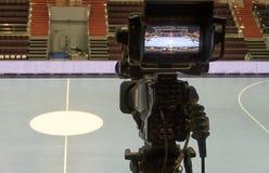 TVkamera för TV-sändninghandboll Fotografering för Bildbyråer