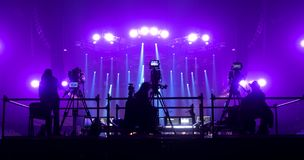 Tvkamera i en hal konsert Arkivbilder