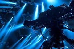 Tvkamera i en hal konsert Fotografering för Bildbyråer