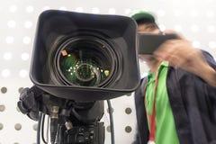 Tvkamera i paviljong för levande show arkivbilder