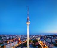 Tvtorn eller Fersehturm i Berlin, Tyskland Arkivbild