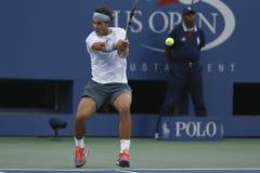 Twaalf keer Grote Slagkampioen Rafael Nadal tijdens halve finalegelijke bij US Open 2013 tegen Richard Gasquet Stock Fotografie