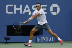 Twaalf keer Grote Slagkampioen Rafael Nadal tijdens halve finalegelijke bij US Open 2013 tegen Richard Gasquet Stock Afbeeldingen