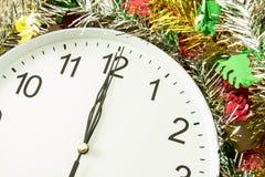 Twaalf uur met Kerstmisdecoratie Royalty-vrije Stock Foto