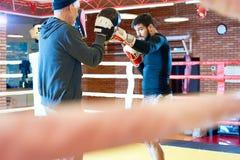 Twardy boksera szkolenie w pierścionku zdjęcie royalty free