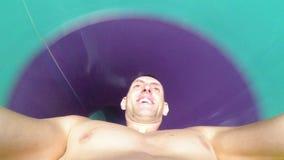 Twarz mężczyzna pochodzi od krańcowych wodnych obruszeń Pierwszy osoba widok Tajlandia zbiory