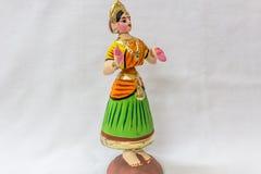 Twarz Thanjavur dancingowa lala Dzwoniąca jako Thalaiyatti Bommai w Tamilskim języku z spojrzenie podobną tradycyjną suknią oranm Obrazy Stock