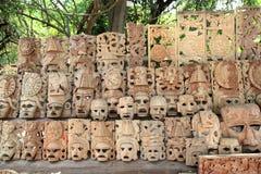 twarze handcraft drewnianych Mexico maskowych majskich rzędy Obrazy Stock