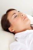 Twarzowy piękno akupunktury traktowanie fotografia stock