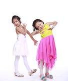 Twee aanbiddelijke meisjes royalty-vrije stock foto