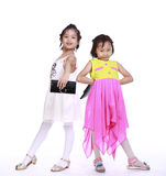 Twee aanbiddelijke meisjes stock afbeelding