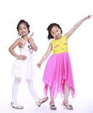 Twee aanbiddelijke meisjes stock fotografie