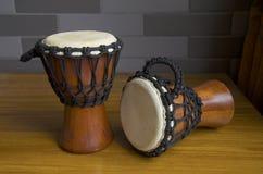 twee Afrika tamboerijn (kleine trommels) Royalty-vrije Stock Foto