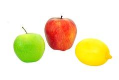 Twee appelen en citroen Stock Afbeelding
