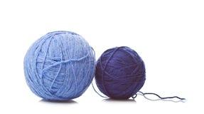 Twee Ballen van blauwe wol Stock Foto
