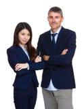 Twee bedrijfsmensen met de verschillende behoren tot een bepaald ras Royalty-vrije Stock Afbeelding