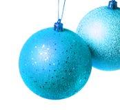 Twee blauwe ballen van Kerstmis Royalty-vrije Stock Afbeelding