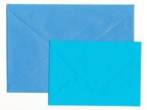 Twee Blauwe Enveloppen Stock Afbeeldingen