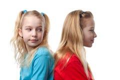 Twee blonde meisjes Stock Foto's
