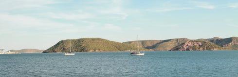 Twee boten op het overzees Stock Foto's