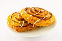 Twee Broodjes van de Kaneel Stock Foto's