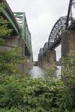 Twee bruggen zij aan zij stock fotografie