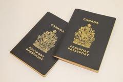 Twee Canadese paspoorten Royalty-vrije Stock Afbeelding