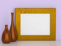 Twee ceramische vazen en gouden kader voor beeld Royalty-vrije Stock Afbeeldingen
